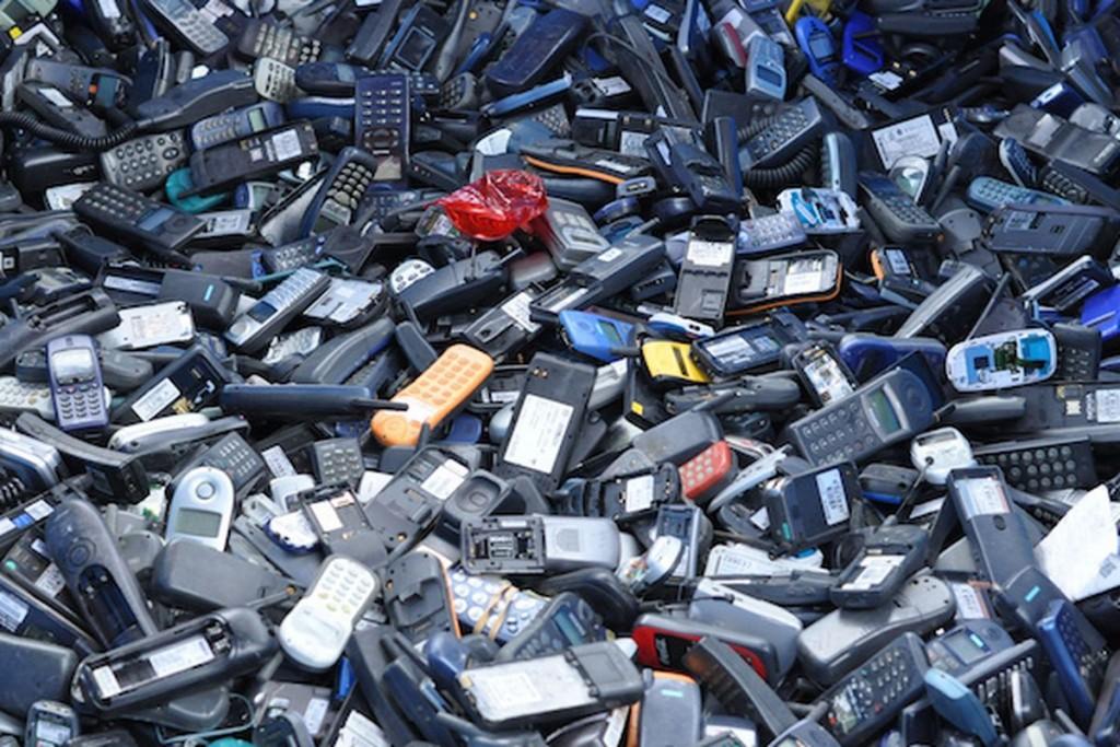 Отпадък от мобилни телефони | НОРД Холдинг АД
