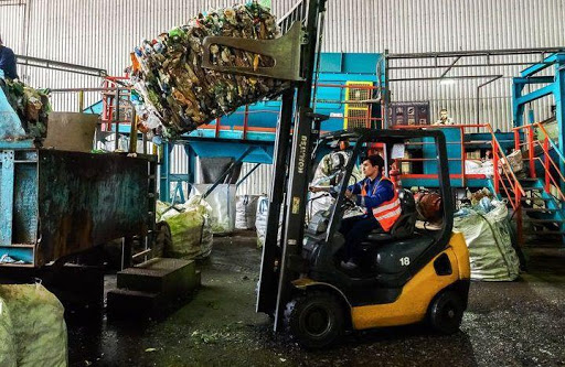 How trash is being recycled?