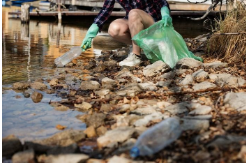 How do you crawl from smearing on plastic material?